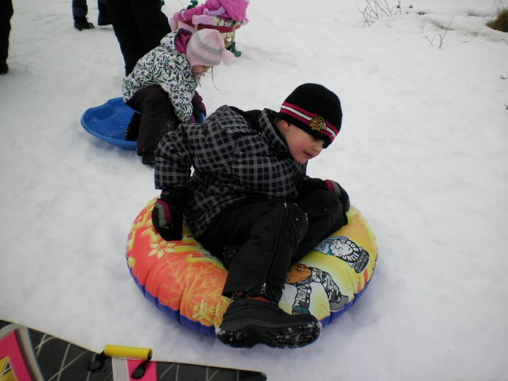 "Simply click the image blow to begin browsing the photo gallery ""Winter Fun""."